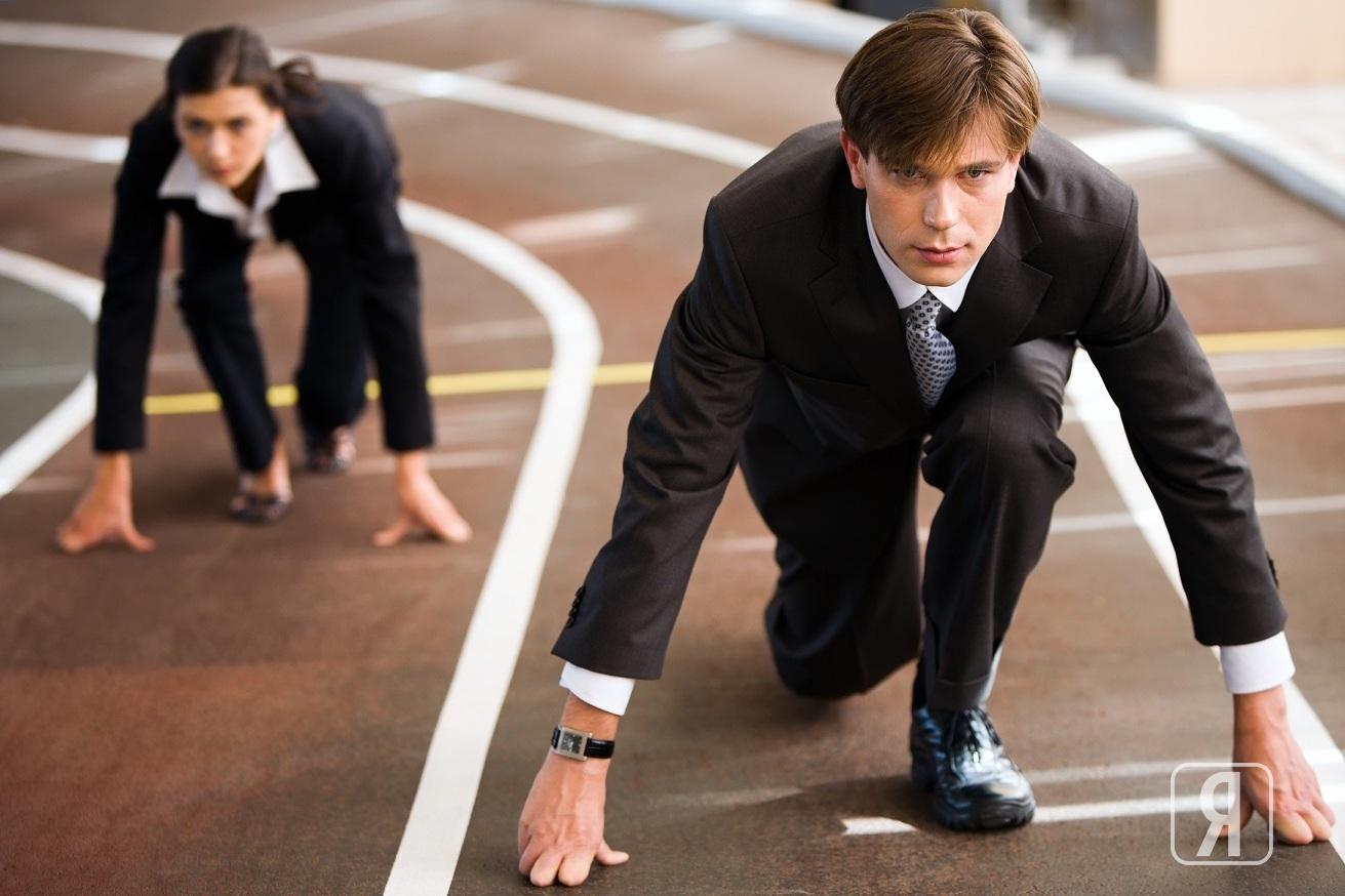Амбициозная личность признает только более сильного и успешного. Она лишена сочувствия, вместо него культивируется в себе язвительность, категоричность и максимализм