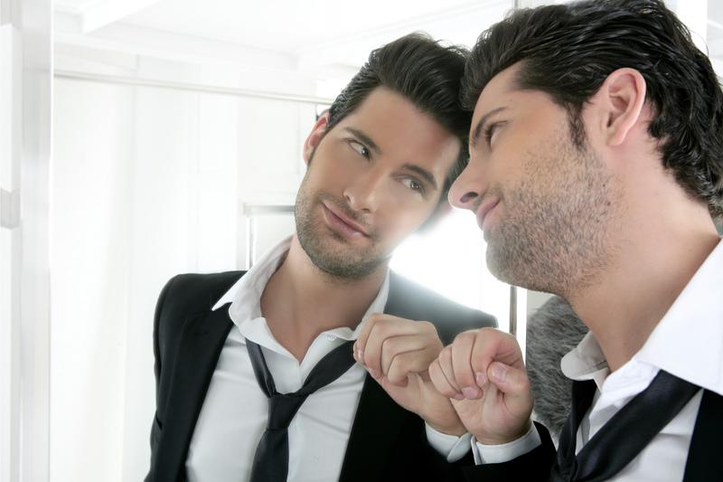 Нарциссизм это свойство личности любить собственный образ, проявлять болезненную самовлюбленность, себялюбие.