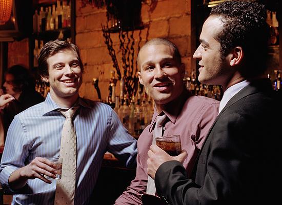 Женщины давно осознали, что Хвастуна проще простого заманить в брачные сети, если ему постоянно льстить, хвалить и одобрительно поддакивать.