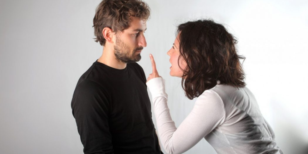 """Когда женщина хочет замуж, её способно остановить только гравитационное поле, которое откинет её на противоположный край Вселенной. Равной по противодействию женскому """"замужу"""" является только мужская воля. Персонально твоя воля, мужик. И я расскажу, как эту волю проявить, если ты видишь, что желающая замуж она... слегка поехавшая. У всех невротичек в основе """"замужа"""" располагаются их персональные страхи и комплексы, которые поначалу кажутся такими милыми и не стоящими внимания (мол, справлюсь, осчастливлю), но впоследствии превращаются просто в адовый кошмар..."""