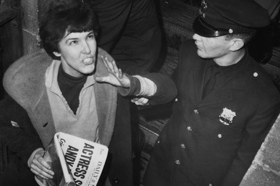 Американская радикальная феминистка, писательница и драматург, наиболее известная своим покушением на художника Энди Уорхола в 1968 году. Её главным произведением является выпущенный в 1967 году «SCUM Manifesto» - трактат о биологическом и социальном превосходстве женского пола над мужским, призывающий женщин создать собственное государство, уничтожив «дефектных» мужчин, за исключением тех, которые приносят пользу. Википедия